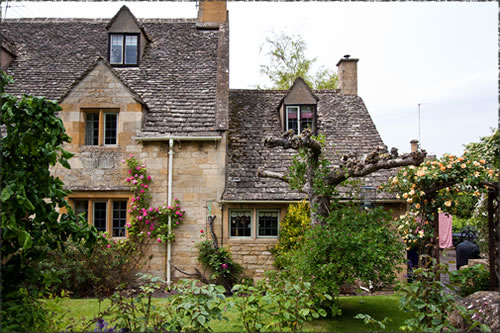 イギリスのレンガと石で造られた家