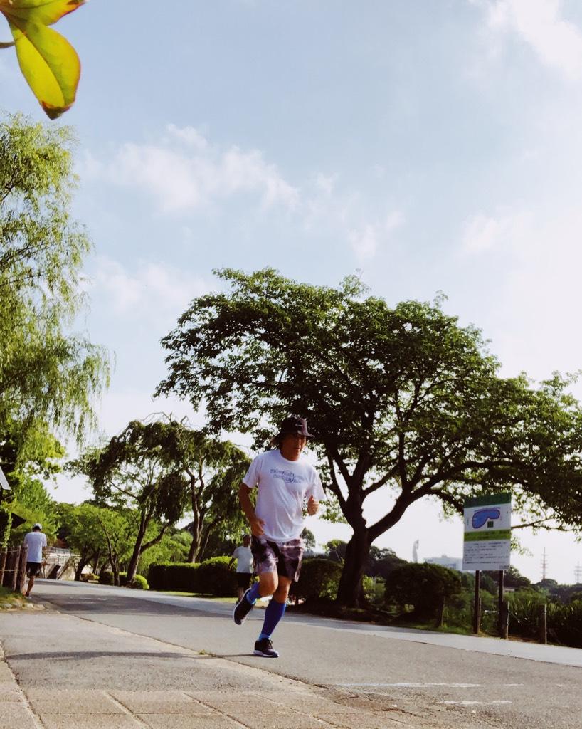 暑さの中、千波湖でランニング