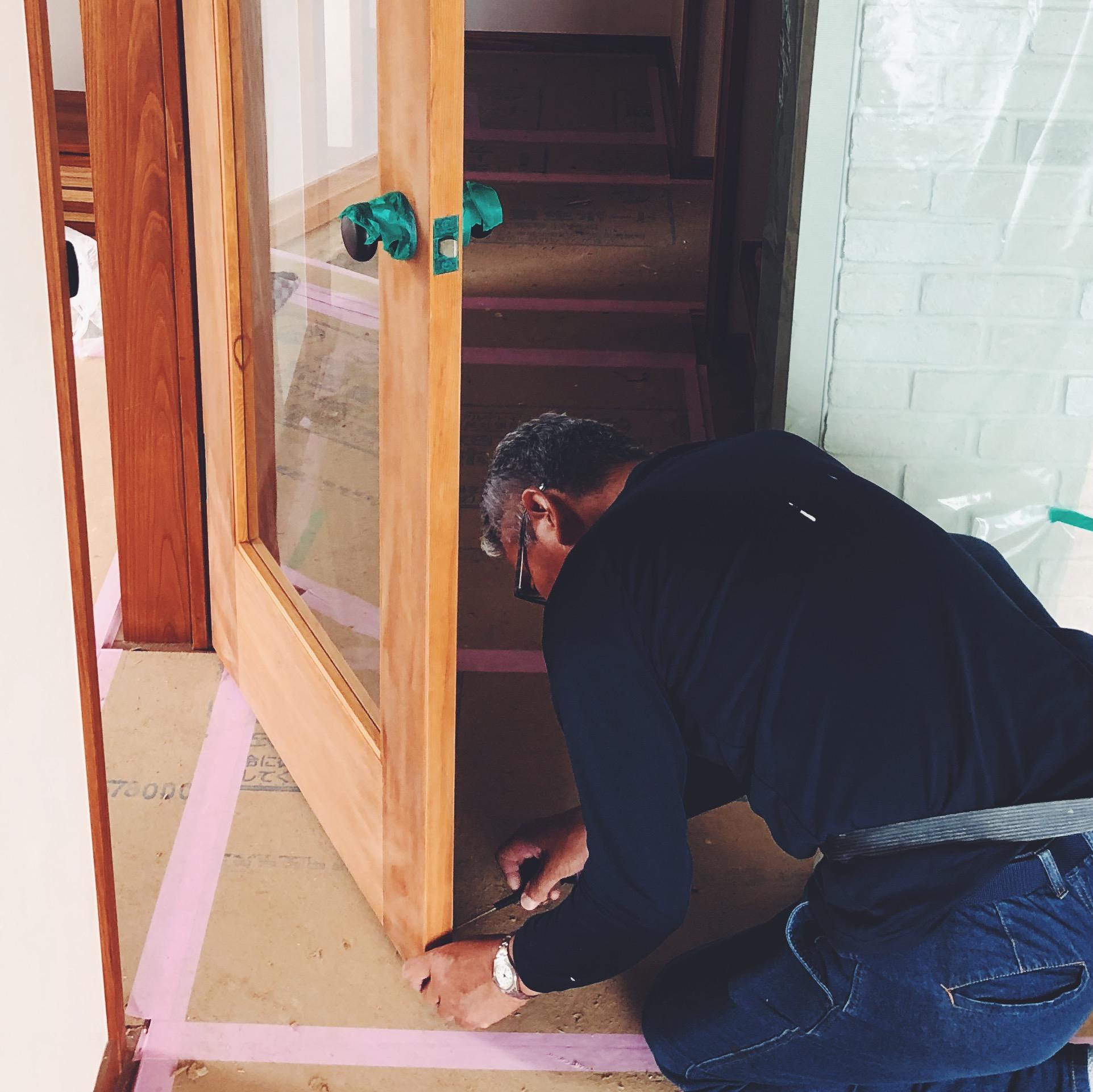 塗装前にドアノブを養生