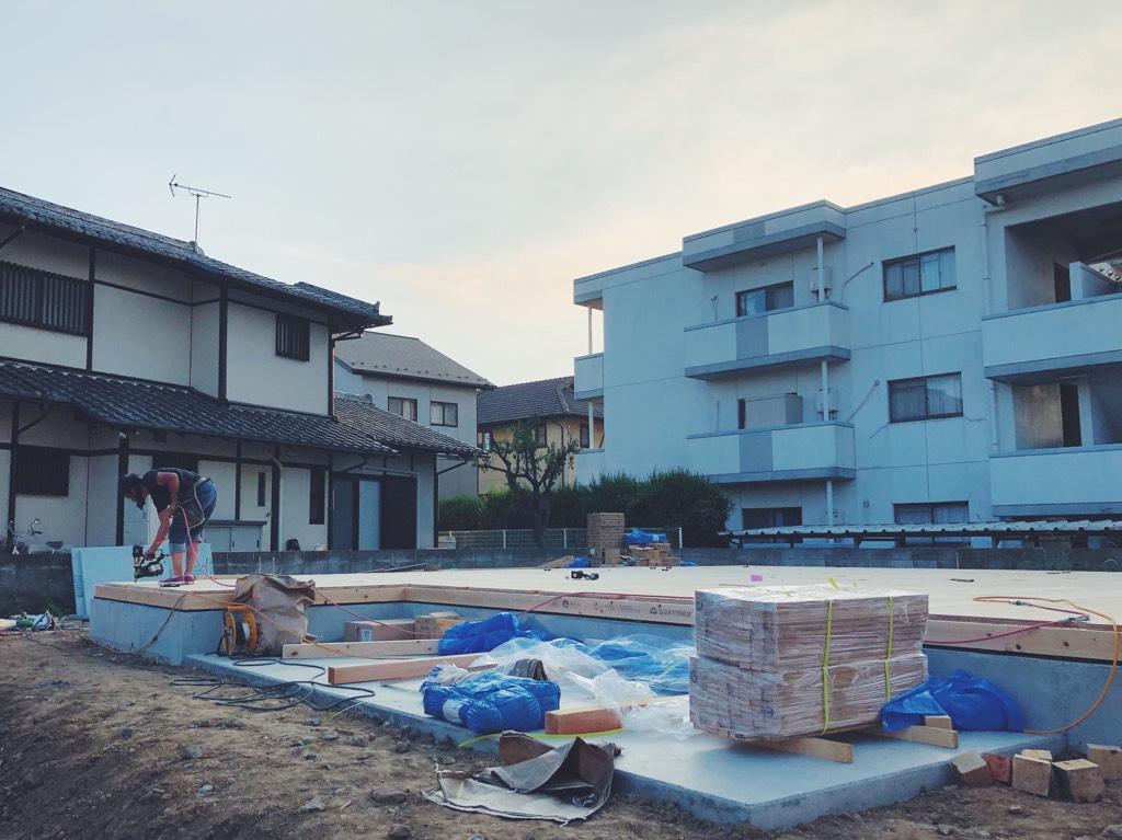 土台敷き終わり棟上げ準備