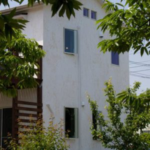 車窓に見えるカントリーコテージ(東海村 O様邸)