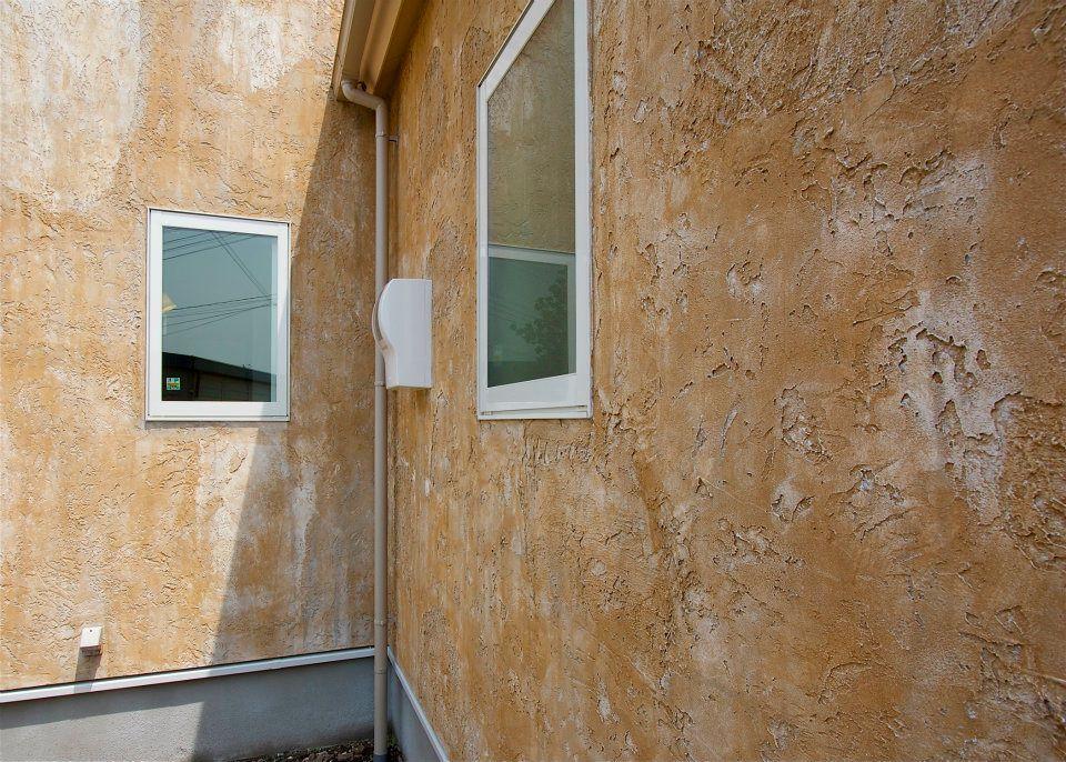 ヨーロッパ風の手塗りしっくいの外壁