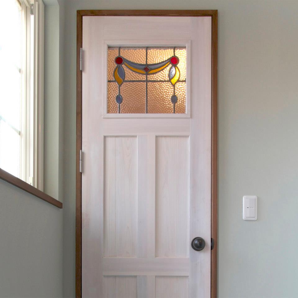 クラシカルな内装ドア